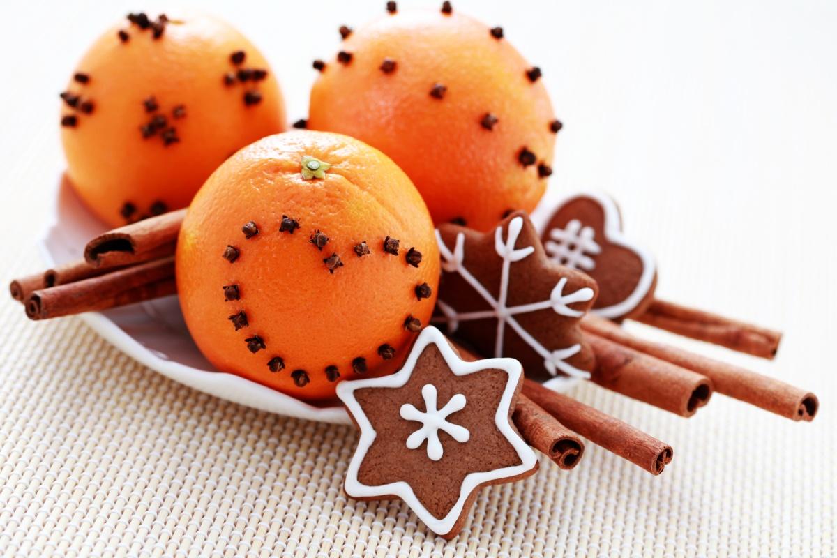 Новорічна композиція з мандаринами