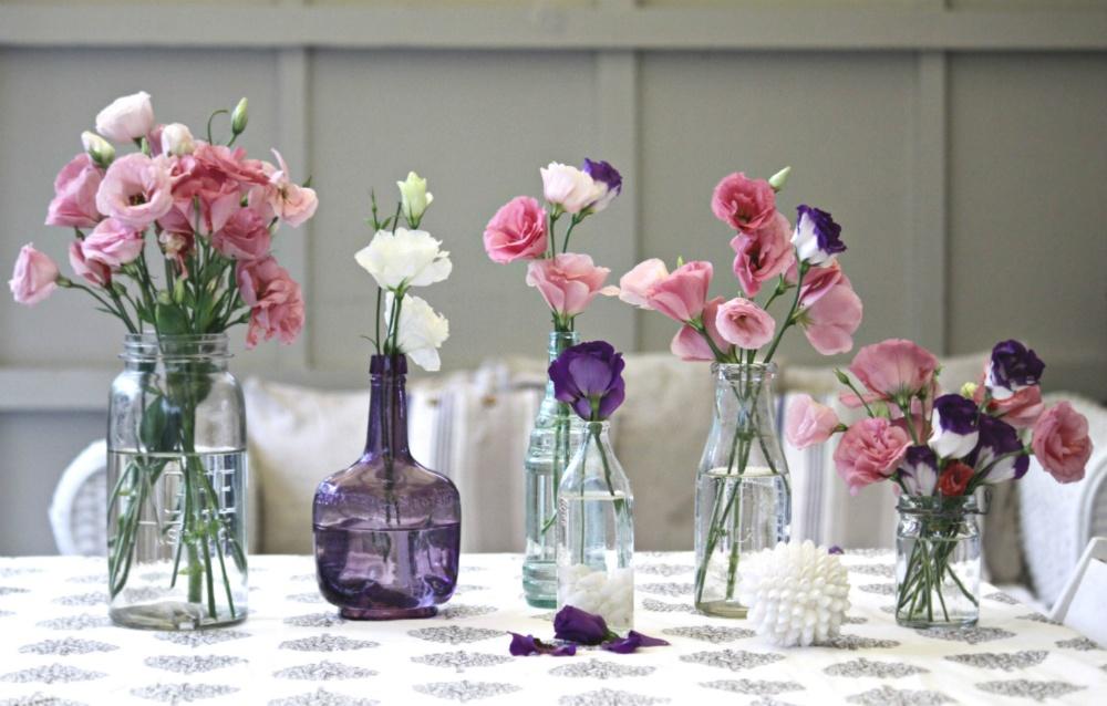 Цветы в вазе в интерьере фото