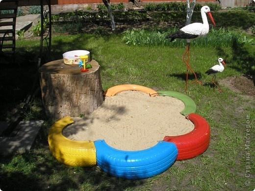 Детская площадка своими руками из подручных материалов фото