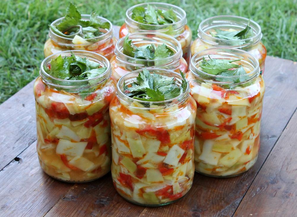 салат из огурцов и кабачков на зиму